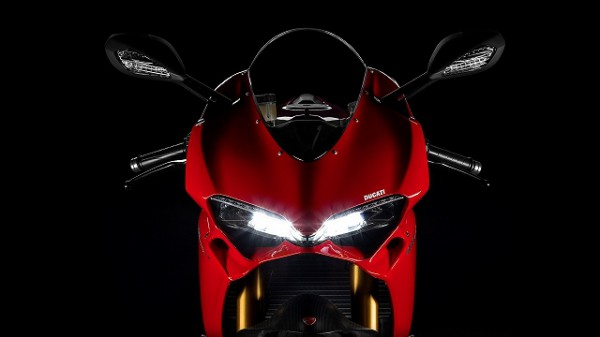 SBK-1299-Panigale-S_2015_Studio_R_A02_1920x1080.mediagallery_output_image_[1920x1080]
