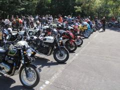スクランブラー、DUCATI以外にも色々なメーカーのオートバイが集合していました