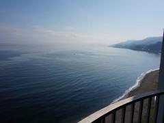 部屋からは綺麗な海が眺められました。