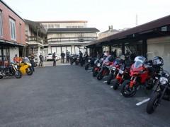 バイクも並びきらないくらいです。