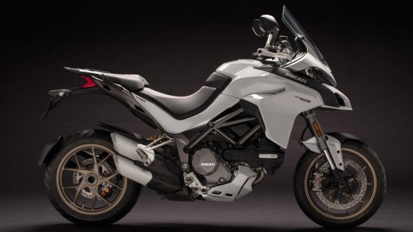 Multistrada-1260-MY18-White-25-Slider-Gallery-1920x1080