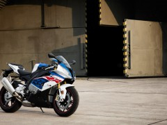 S1000RR_ProductPage_LightboxBig_1920x1080_05