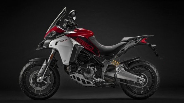 Multistrada-1260-Enduro-MY19-08-Studio-Gallery-1920x1080